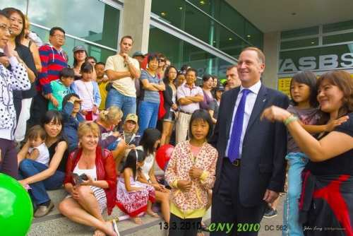Hon John Key meeting and greetng the crowd - photo by John Ling